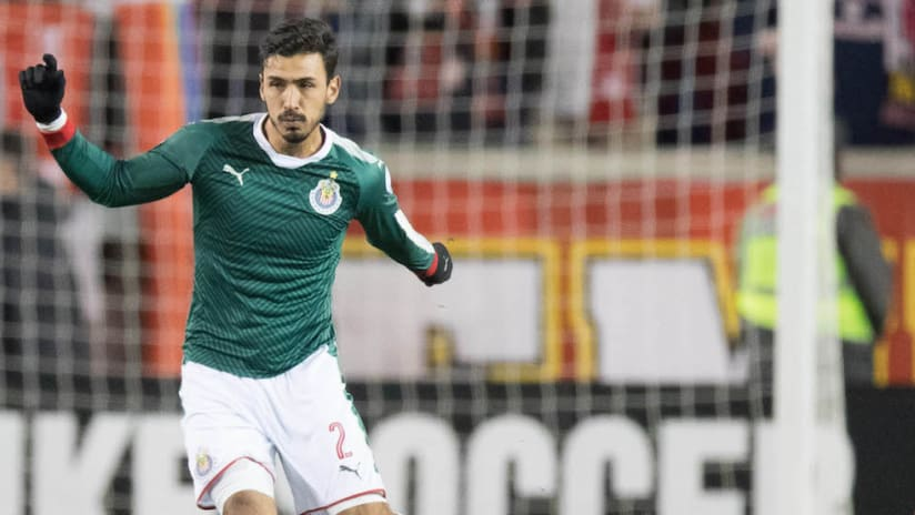 Oswaldo Alanis, Chivas Guadalajara tight shot
