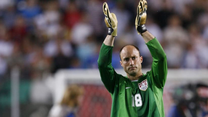 Kasey Keller applauds fans after a game at the 2006 World Cup