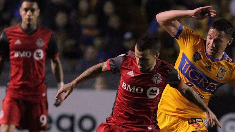 Sebastian Giovinco, Jesus Duenas - Toronto FC, Tigres - Close up