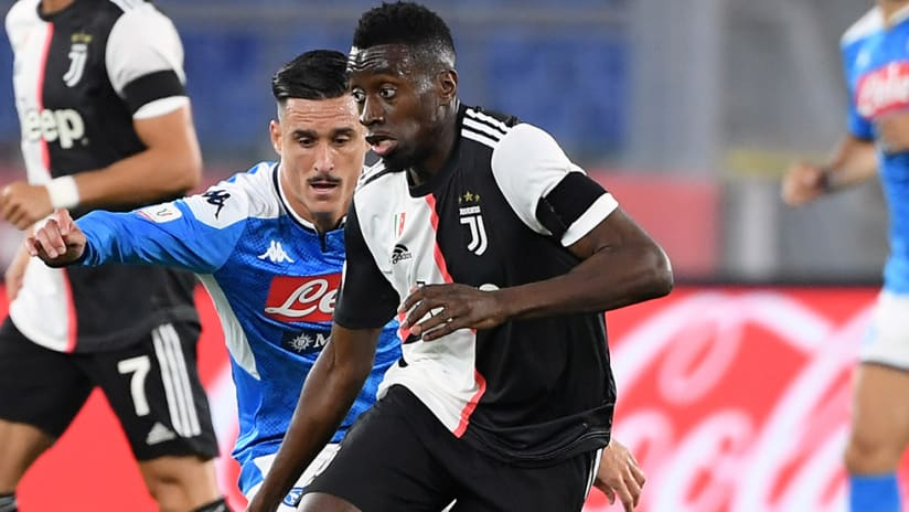 Blaise Matuidi - Juventus - fights off challenge