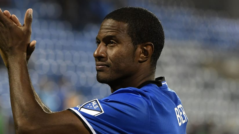 Patrice Bernier - Montreal Impact - clapping