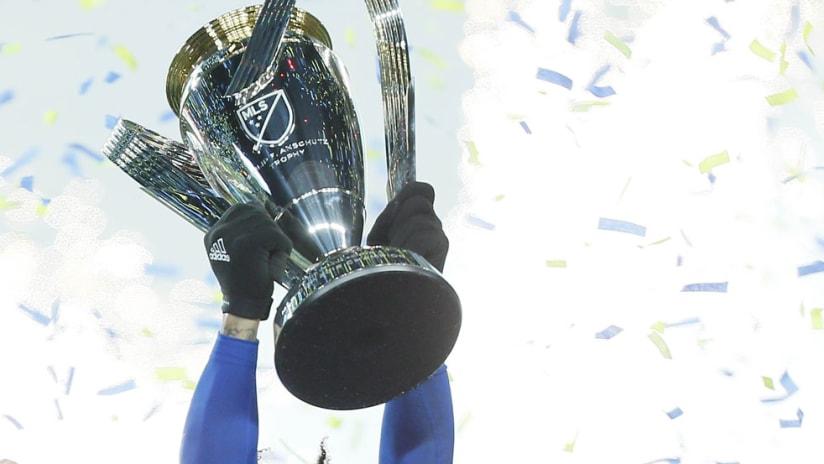MLS Cup - Seattle Sounders - Trophy lift