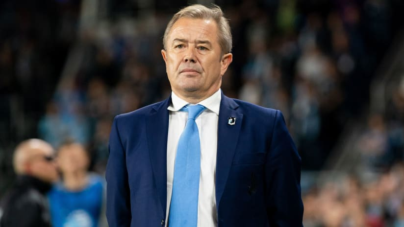 Adrian Heath - Minnesota United - on the sidelines during playoff game - solo