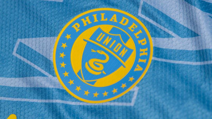 Philadelphia secondary jersey 2021 - Primary image crest