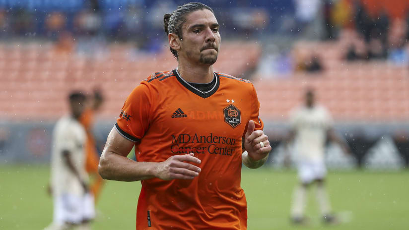 How Zarek Valentin became a symbol of new-look Houston Dynamo FC
