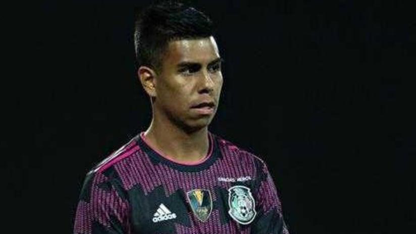 Efra Alvarez makes Mexico debut