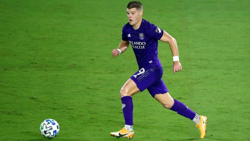 Chris Mueller –Orlando City –on dribble