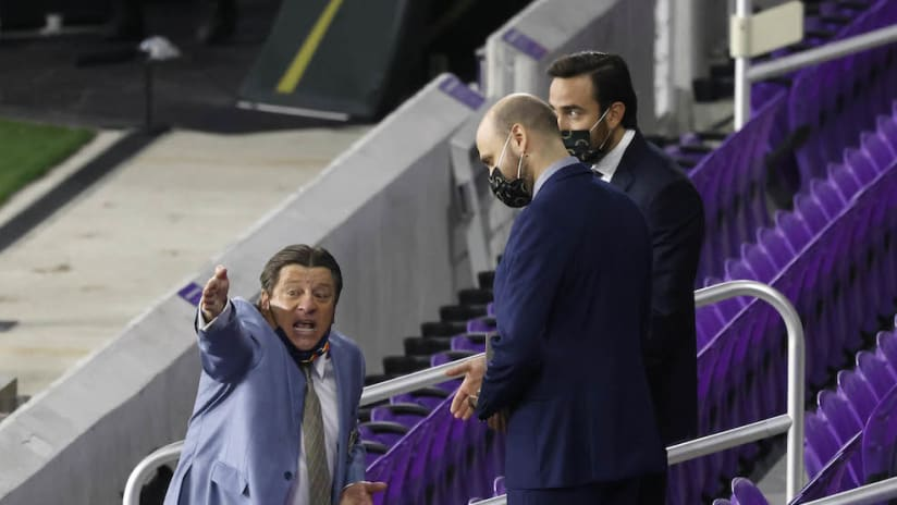 Miguel Herrera in the stands in CCL semifinals vs. LAFC
