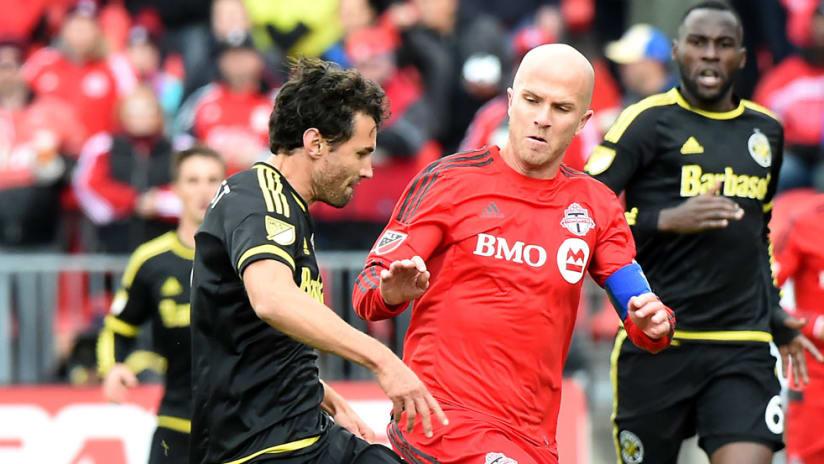 Michael Bradley, Michael Parkhurst - Toronto FC, Columbus Crew SC - Midfield battle