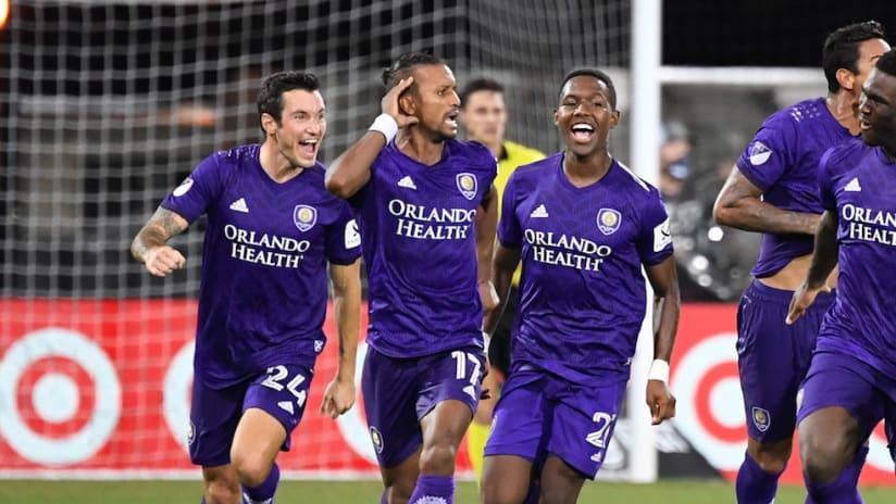 Nani celebrates PK win over LAFC - MLS is Back