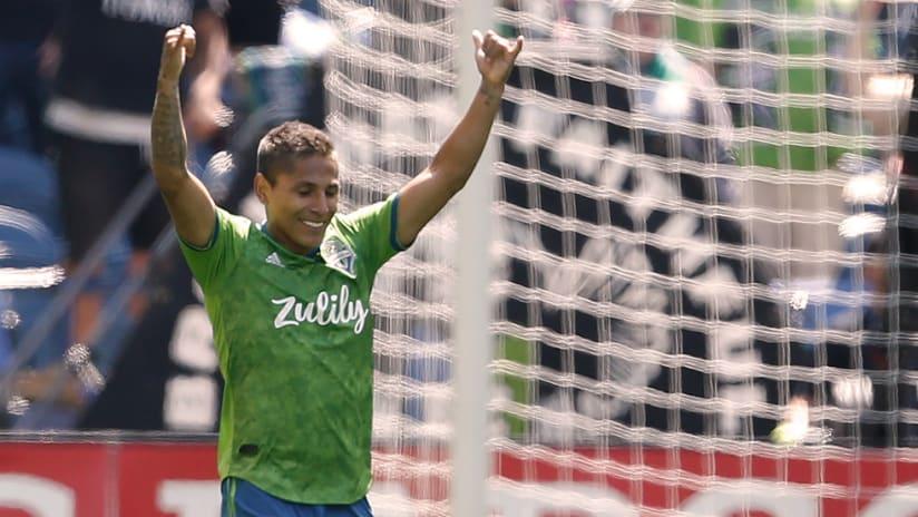 Raul Ruidiaz - Seattle Sounders - Celebrate