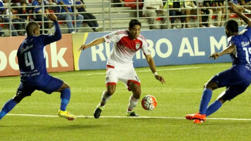 DC United's Miguel Aguilar in CCL action vs. Arabe Unido