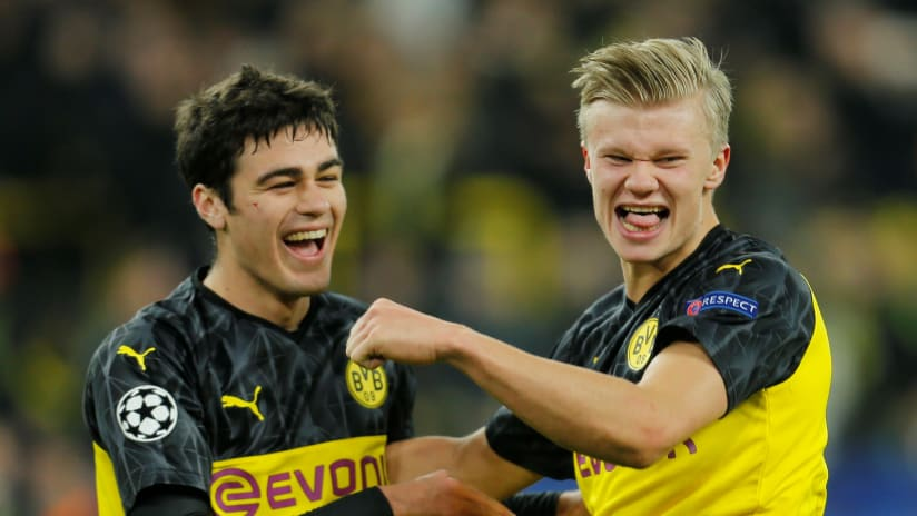 Giovanni Reyna celebrates with Erling Haaland - February 18, 2020