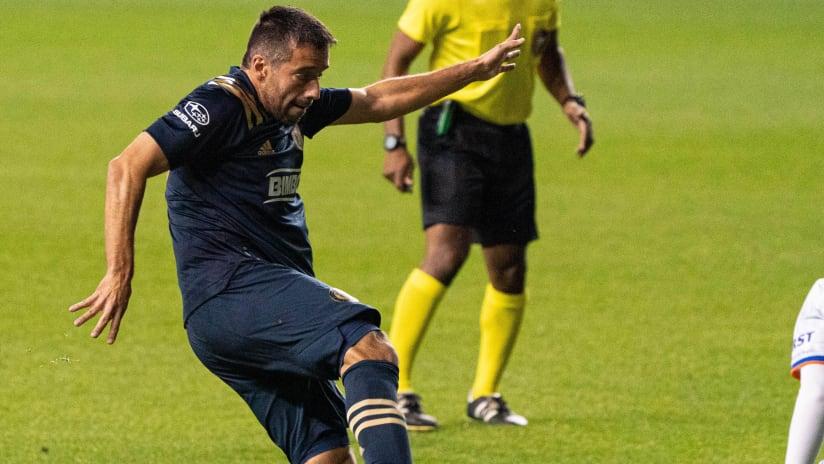 Ilsinho - scoring goal - PHI v CIN