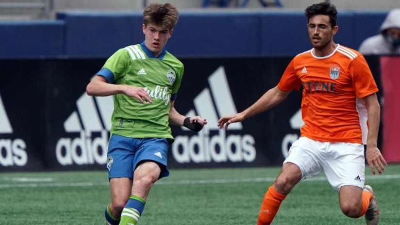 Seattle Sounders sign homegrown midfielder Reed Baker-Whiting