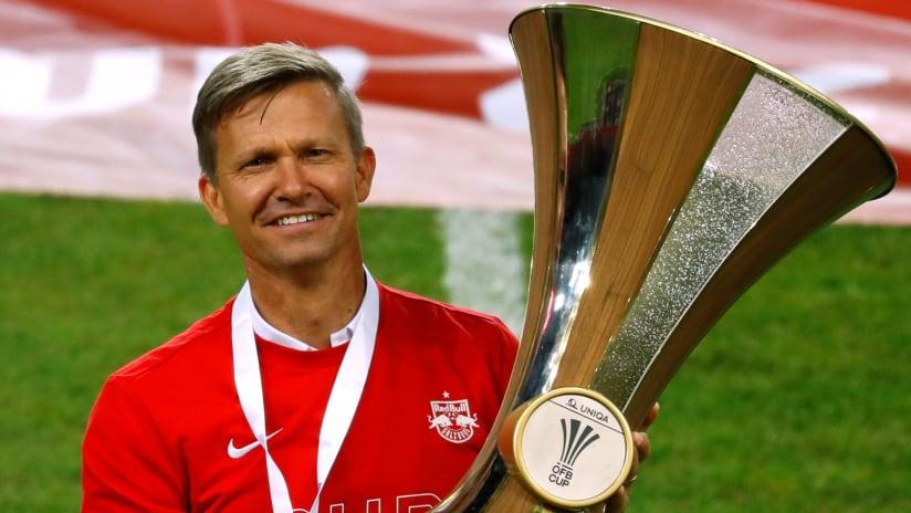 Jesse Marsch - holds the Austrian Cup trophy - Red Bull Salzburg