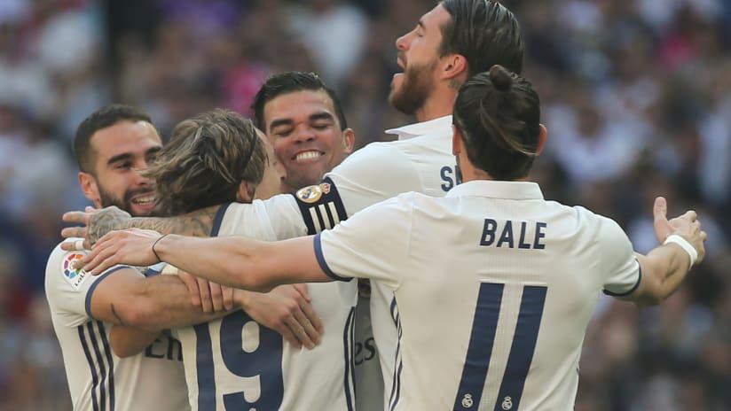 Real Madrid celebrating a goal, 2017