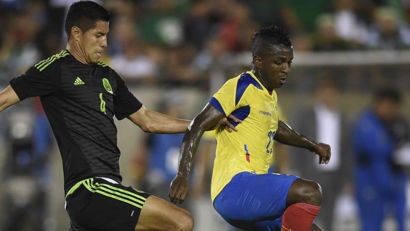 Carlos Gruezo in action for Ecuador