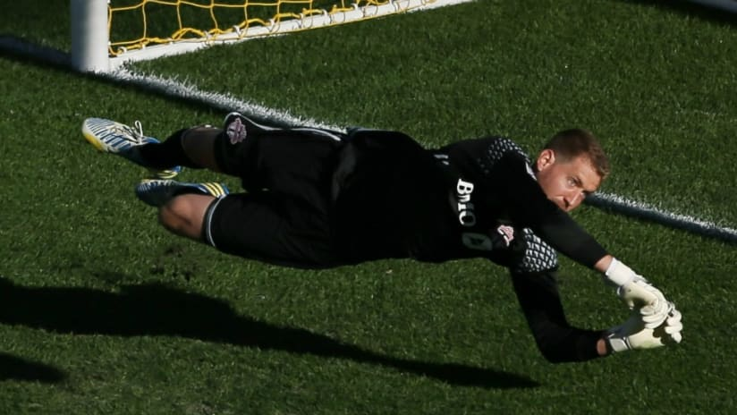 Clint Irwin - Toronto FC - Dives to make save