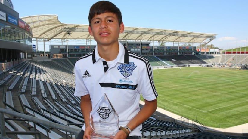 Sueno MLS 2013 winner Alexander Soto
