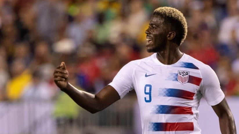 Gyasi Zardes - fist pump - US national team