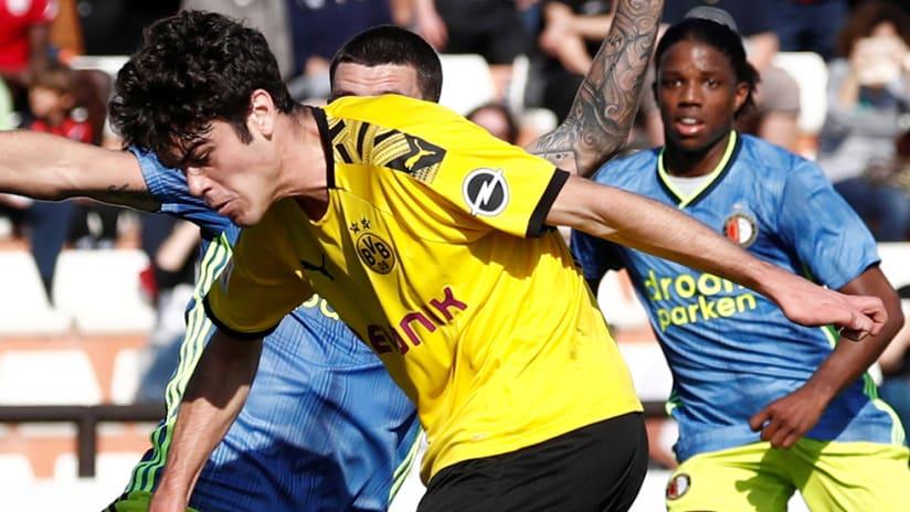 Giovanni Reyna - Dortmund - score against Feyenoord