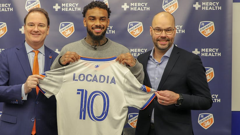 Jurgen Locadia - FC Cincinnati - jersey pose