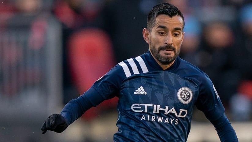 Maxi Moralez - NYCFC - focused on ball