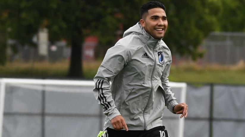 Bebelo Reynoso training, smiling - Minnesota United