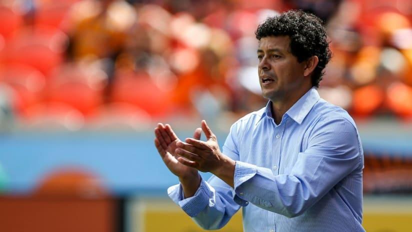 Wilmer Cabrera - Houston Dynamo - applauds his team