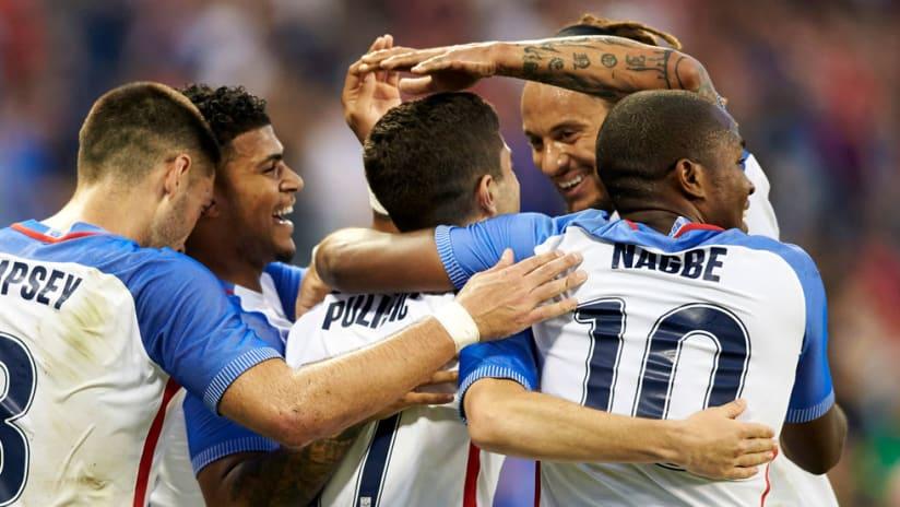 Christian Pulisic - United States national team - Team mobs
