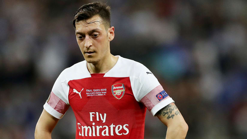 Mesut Ozil - Arsenal - dejected look
