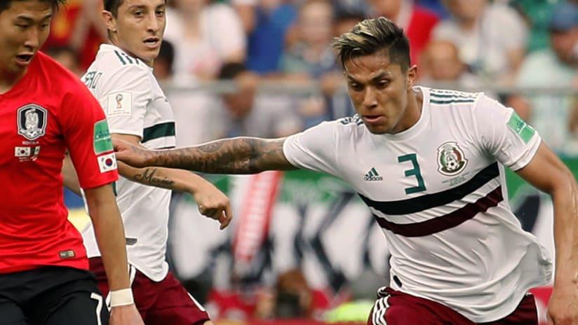 Carlos Salcedo - Mexico - Holding off defender