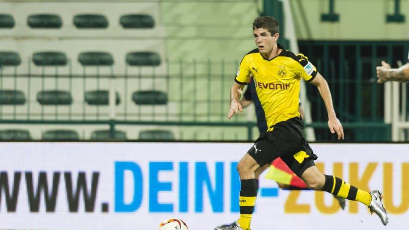 Christian Pulisic - Borussia Dortmund - on the run with ball