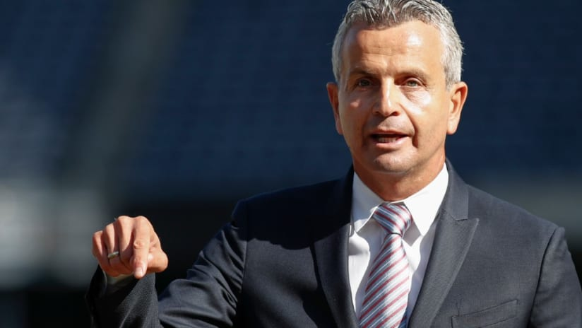 Frank Klopas - suit - Soldier field