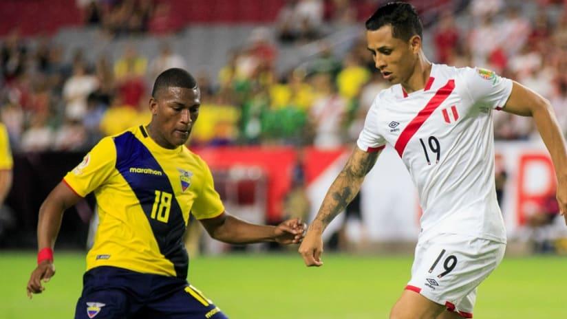 Carlos Gruezo - Yoshimar Yotun - Ecuador - Peru - Copa America