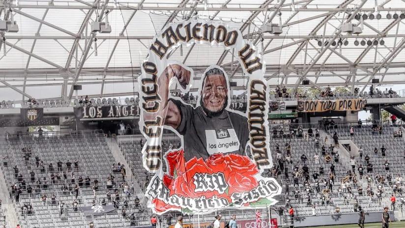 LAFC pay tribute to 3252 vice president Mo Fascio in season opener
