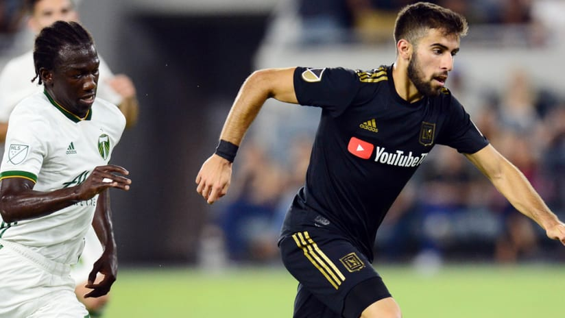 Diego Chara - Portland Timbers - chases Diego Rossi - LAFC