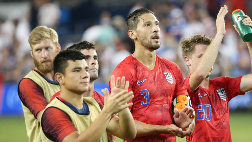 Omar Gonzalez - USMNT - group clapping after game