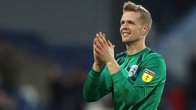 Jonas Lossl - Huddersfield Town - clapping hands