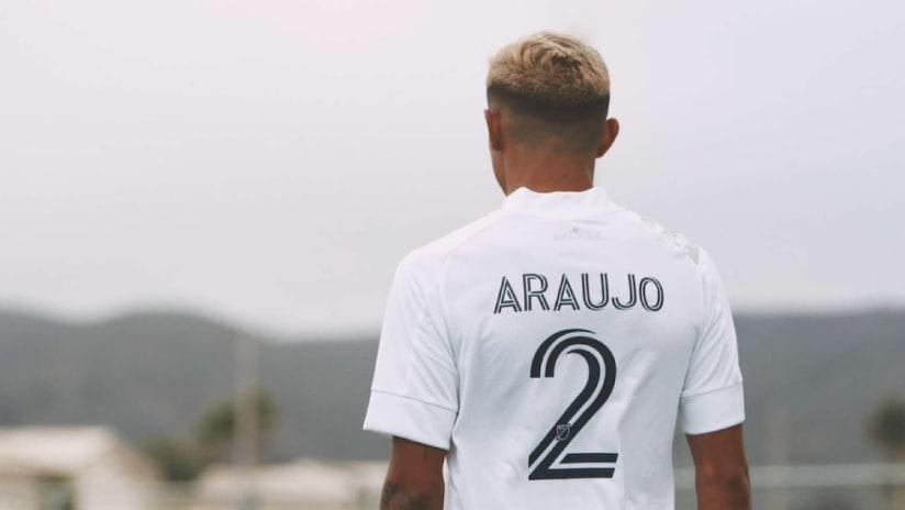 Julian Araujo new jersey number