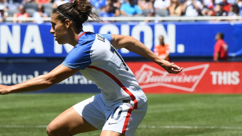 Carli Lloyd dribbles for the USWNT - Close-up - 7/12/2016