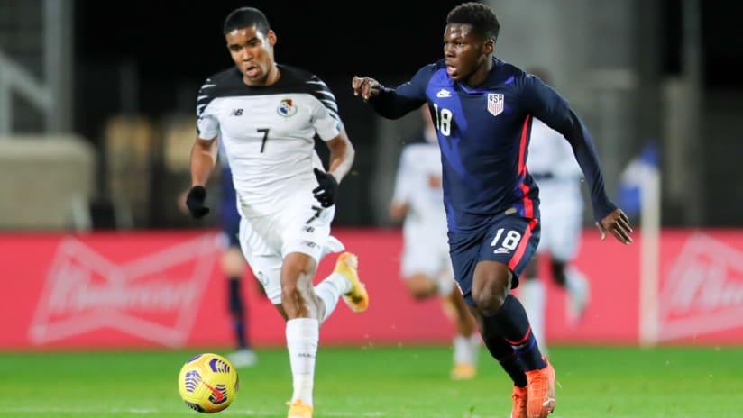 Yunus Musah - United States - USMNT - on the ball vs. Panama - Nov. 16, 2020