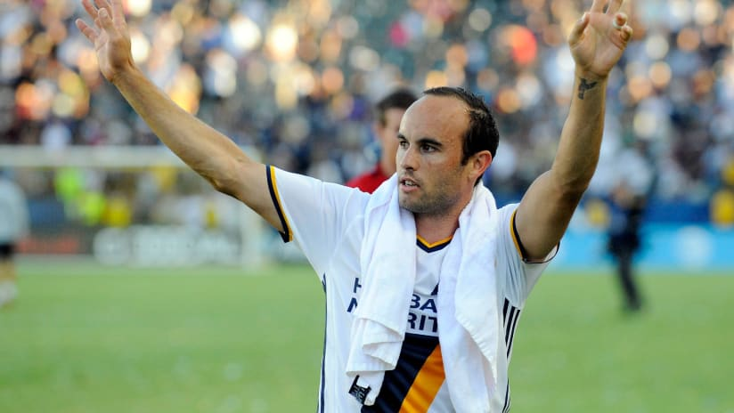 LA Galaxy's week of Landon Donovan celebrations includes mural painting, statue unveiling