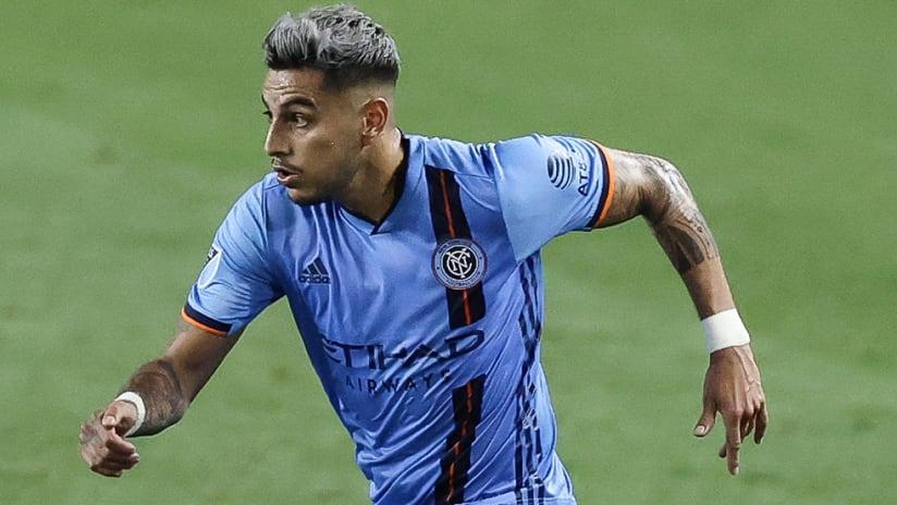 Ronald Matarrita - NYCFC - picks out pass