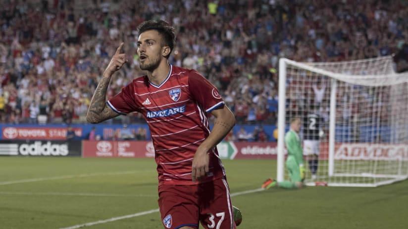 Maximiliano Urruti celebrates a goal for FC Dallas, Mar. 18, 2017