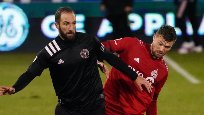 Gonzalo Higuain, Eriq Zavaleta — Inter Miami CF — Action