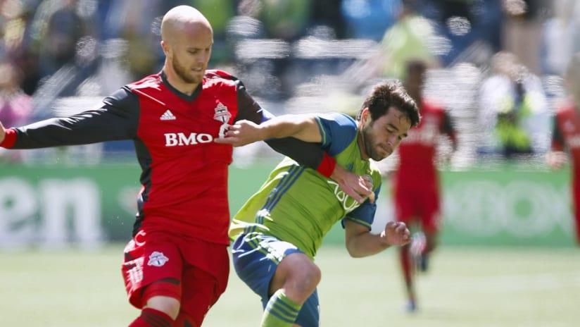 Michael Bradley vs. Nicolas Lodeiro - Toronto vs. Seattle - May 2017