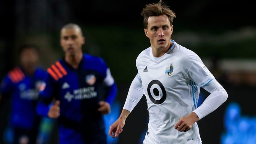 Aaron Schoenfeld - Minnesota United FC - eyes on ball