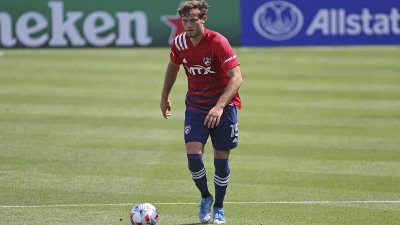 Tanner Tessmann – FC Dallas –head up dribbling